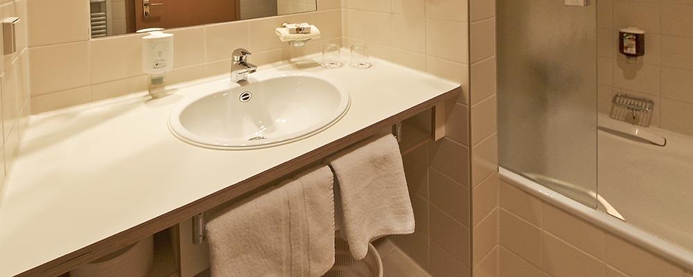 Badezimmer im Hotel Zettler